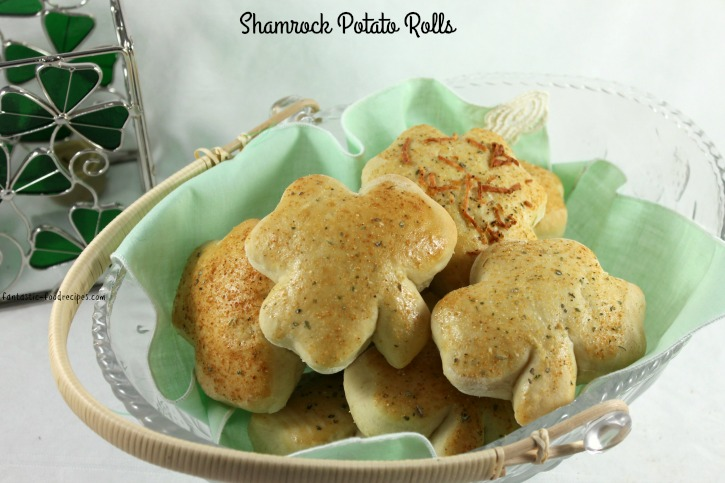 Shamrock Potato Rolls